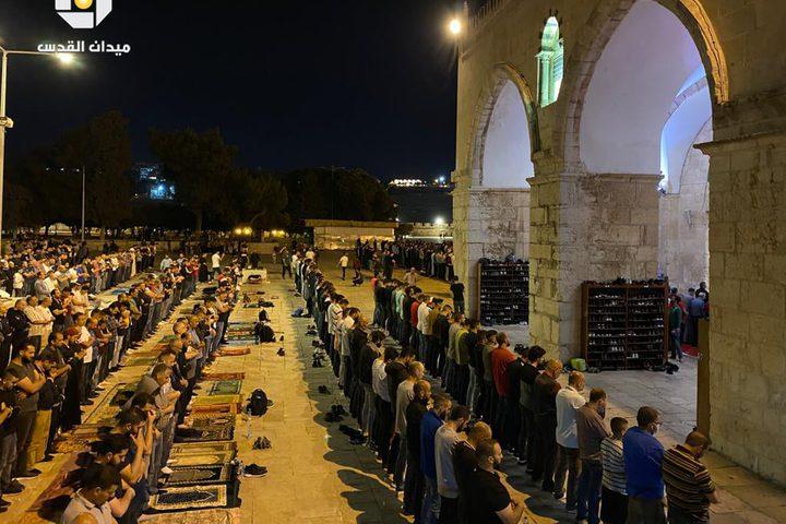 جانب من صلاتي العشاء والتراويح من المسجد الأقصى المبارك ليلة الثاني والعشرين من رمضان