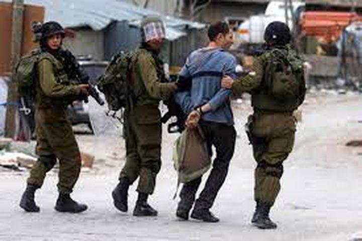 الاحتلال يعتقل 19 مواطنا من الضفة
