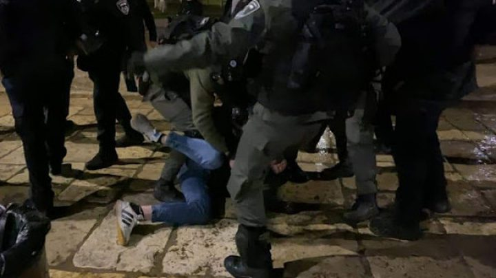 القدس:اصابة 3 مواطنين في اعتداءات للمستوطنيين وقوات الاحتلال