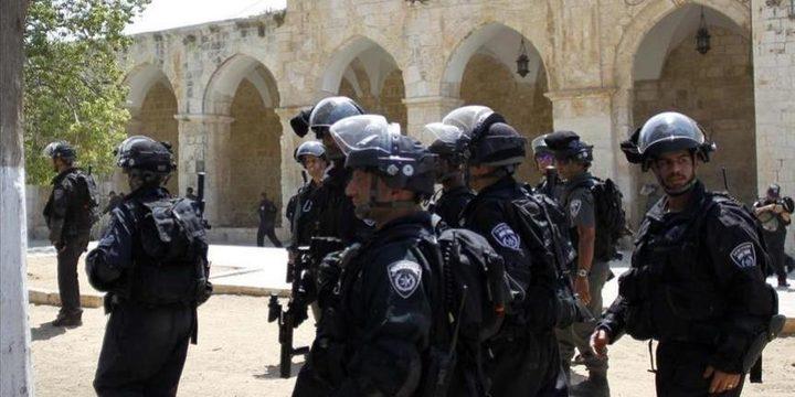 الاحتلال يعتقل حارس المسجد الأقصى بدر الرجبي