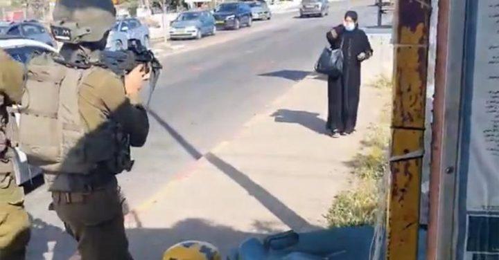 الاحتلال يسلم جثمان الشهيدة رحاب الحروب