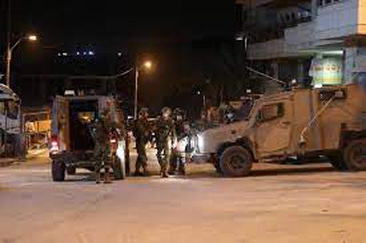 الاحتلال يقتحم ترمسعيا ويحاصر منزل الأسير شلبي