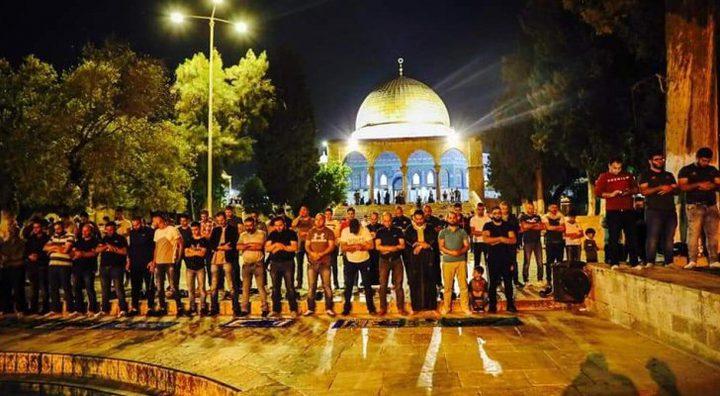 أبناء شعبنا يصلون إلى المسجد الأقصى لإحياء ليلة القدر