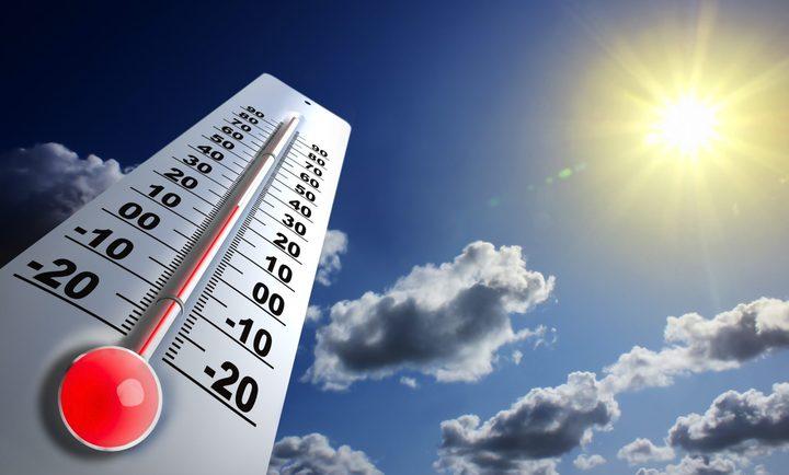 ارتفاع على درجات الحرارةلتصبح أعلى من معدلها بـ 11 درجة