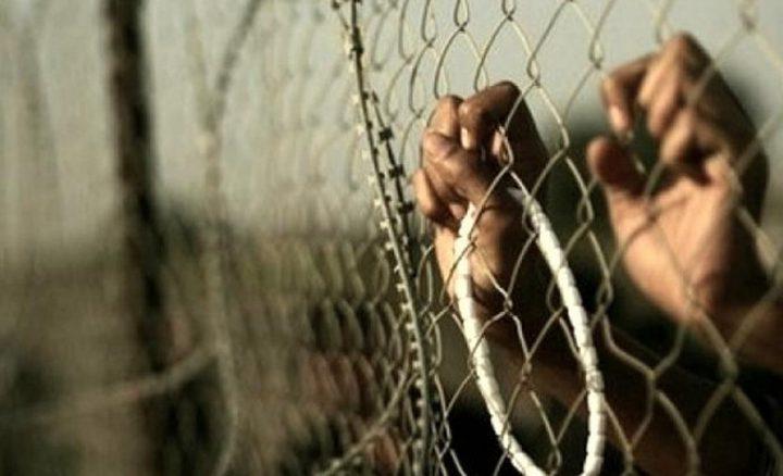 الأسيران سواركه وأبو عطوان يواصلان الإضراب رفضا للاعتقال الإداري