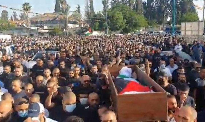الاحتلال يقمع جنازة الشهيد حسونة باللد