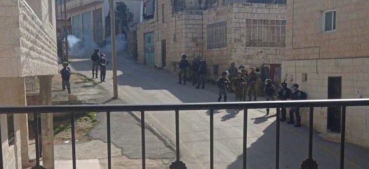 إصابات بالاختناق بمواجهات مع الاحتلال في بلدة تقوع شرق بيت لحم