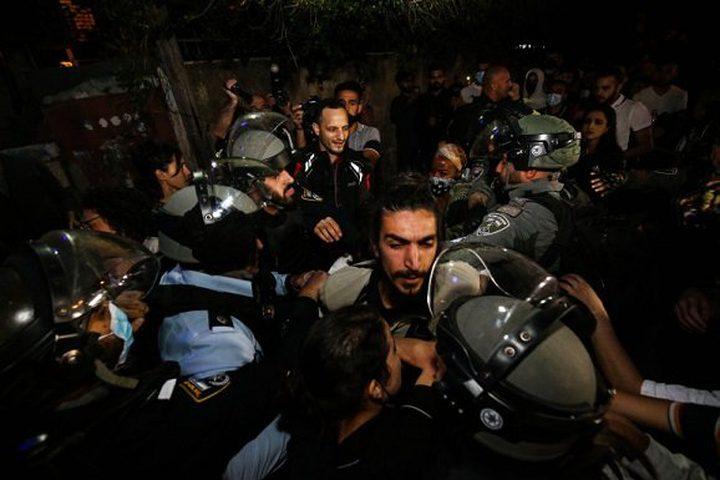 الاحتلال يكثف تواجده بالشيخ جراح تمهيدا لاقتحامه من المستوطنين