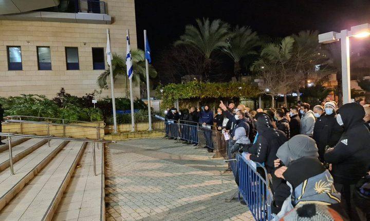 تحطيم محال تجارية لفلسطينيين في يافا
