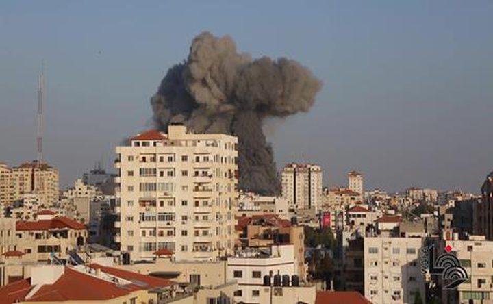 انتشال جثمان طفلة وعائلة كاملة من تحت أنقاض القصف في بيت لاهيا