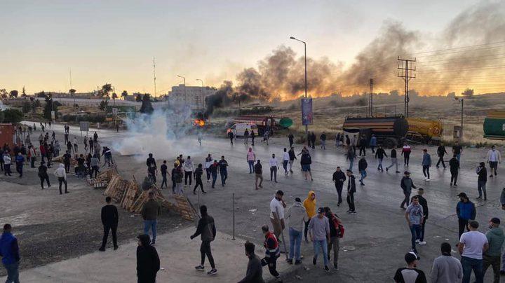 الاحتلال يصيب عشرات المواطنين بالرصاص في مواجهات متفرقة بالضفة