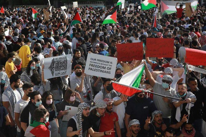 الأردنيون يخرجون في مسيرة حاشدة باتجاه الحدود نصرةً للقدس وغزة