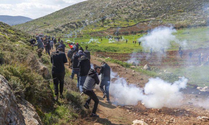 إصابتان بالرصاص المعدني خلال صد هجوم للمستوطنين في بروقين