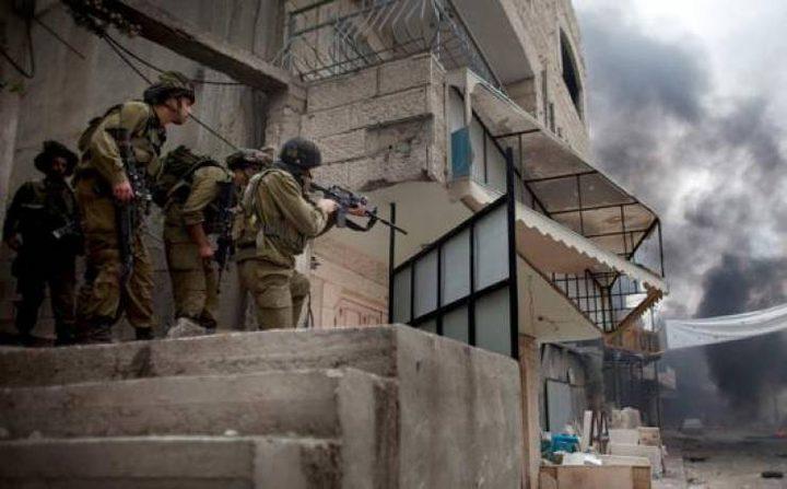 جنود الاحتلال يعتلون أسطح منازل في حوارة ويحولونها لثكنات عسكرية