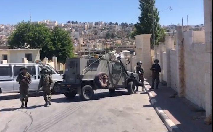 إستشهاد شاب برصاص الاحتلال قرب الحرم الإبراهيمي في الخليل
