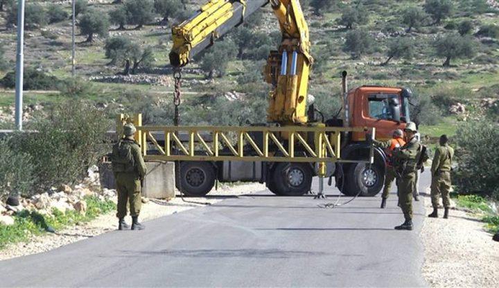 الاحتلال يغلق البوابة الحديدية على مدخل كفر الديك غرب سلفيت