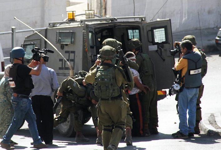 قوات الاحتلال تعتقل 14 مواطنا من القدس