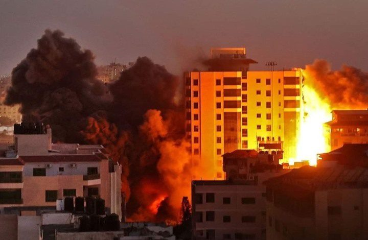 عدوان الاحتلال الإسرائيلي و فيروس كورونا يستفردان بغزة