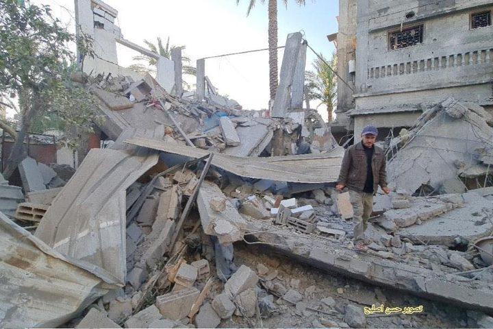 من قصف منزل عائلة الأسطل بالقرب من الكتيبة بخانيونس