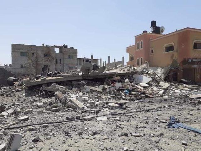 لحظة تدمير طائرات الاحتلال منزلاً لعائلة المغير جنوب قطاع غزة