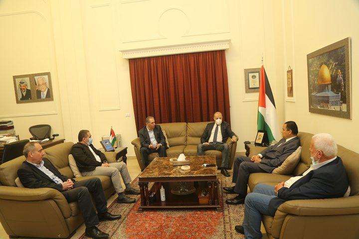 بيروت:وفد من الحزب الاشتراكي واللقاء الديمقراطي زار سفارة فلسطين