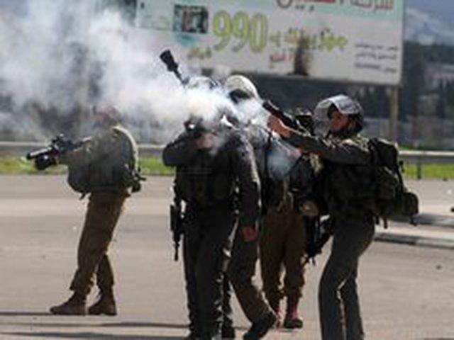 الاحتلال يقمع مسيرة في بيت لحم ويصيب عددا من المواطنين بالاختناق