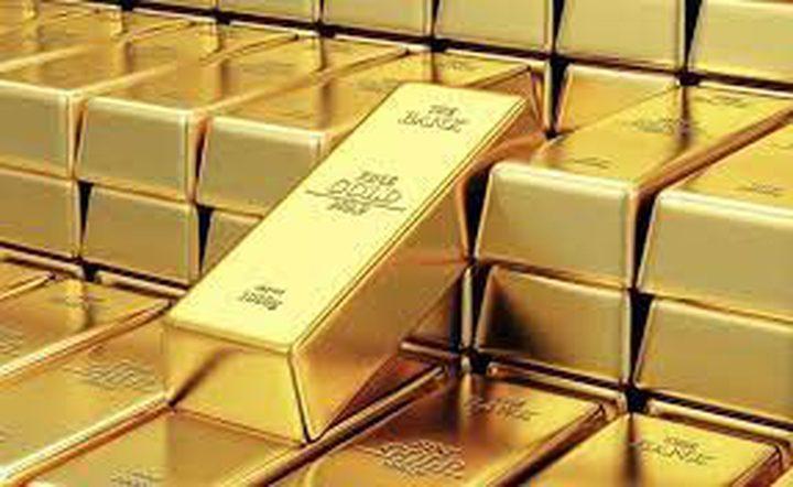 الذهب يهبط من أعلى مستوى في 4 أشهر