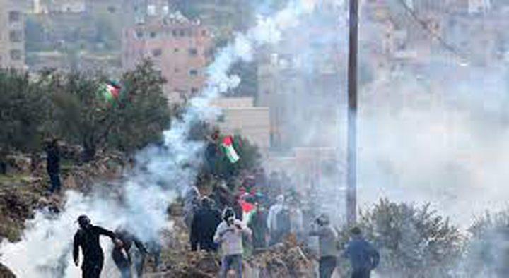 عشرات حالات الاختناق خلال قمع الاحتلال مسيرة بيت دجن شرق نابلس
