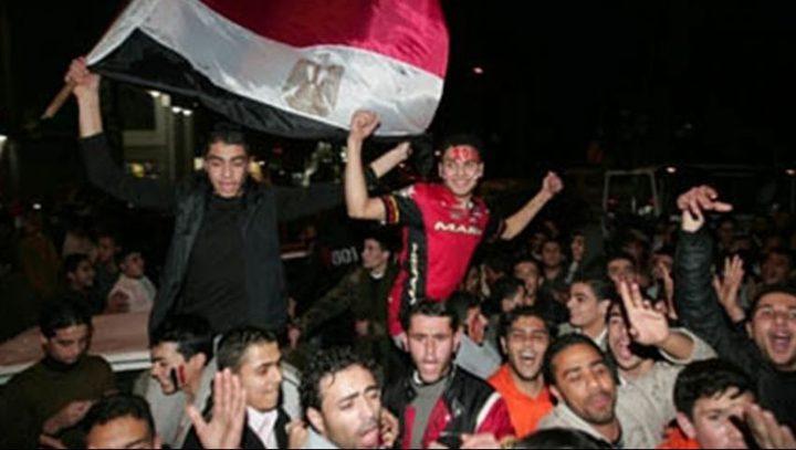المصريون يحتفلون بانتصار غزة على الاحتلال
