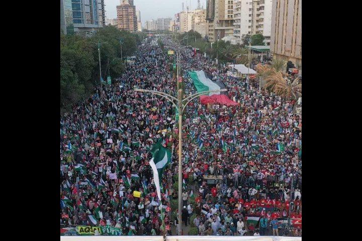 باكستان: عشرات الآلاف يشاركون في مسيرة تضامنية مع شعبنا