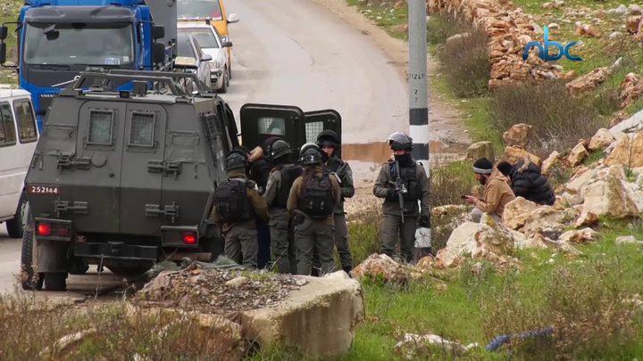 الاحتلال يغلق بوابة عابود شمال رام الله