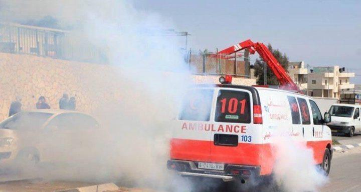 الاحتلال يطلق وابل من قنابل الغاز تجاه مقر الهلال الأحمر في طوباس