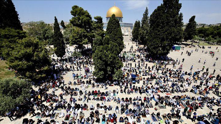 40 ألفا يؤدون صلاة الجمعة في القدس