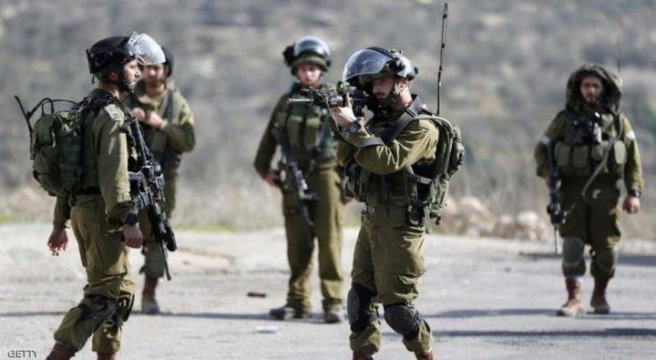 رام الله: إصابة شاب برصاص الاحتلال في بلدة نعلين