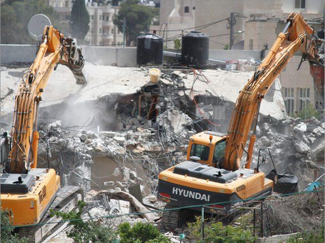 بيت لحم:سلطات الاحتلال تجبر مواطنا على هدم منزله ومزرعته