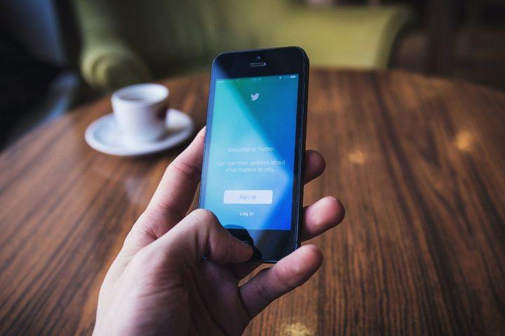 تويتر تعتزم اقتباس ميزة مشهورة من فيسبوك