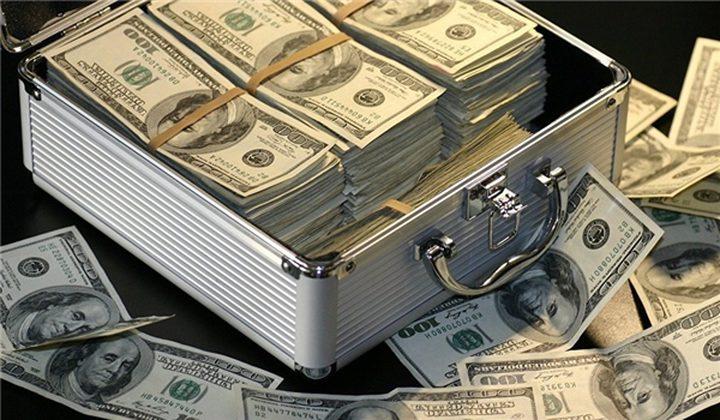 خبير يحدد العملة الأكثر ربحا من الدولار