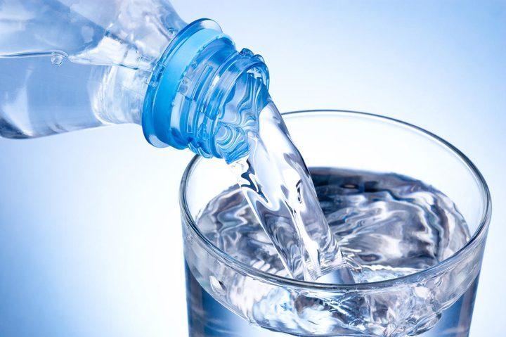 خبيرة: الماء أفضل المشروبات للجسم