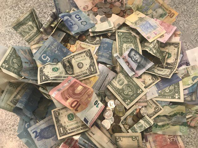 ما هي العملة الأكثر ربحا من الدولار؟
