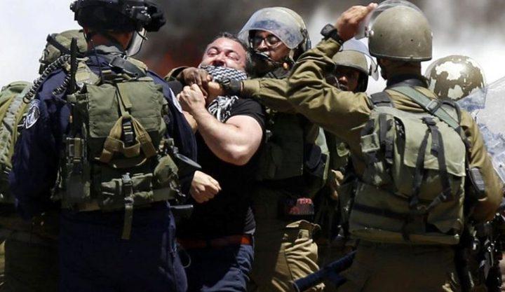 قوات الاحتلال تعتقل 26 مواطنا من الضفة