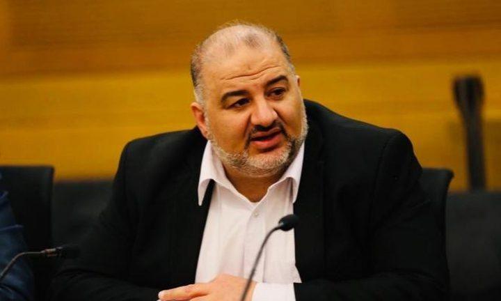 منصور عبّاس يوقع على اتفاق مع لبيد لتشكيل حكومة الاحتلال