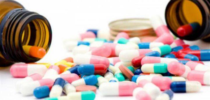 مختص يربط سرطان الأمعاء بتناول المضادات الحيوية