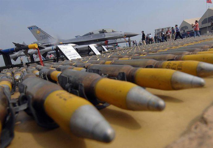 """""""إسرائيل"""" تطلب من أمريكا مساعدات عسكرية عاجلة بقيمة مليار دولار"""