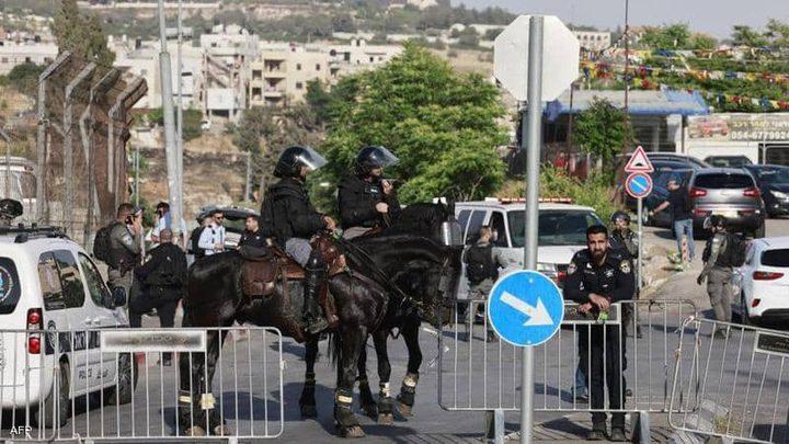 قوات الاحتلال تعتقل طفلة من حي الشيخ جراح
