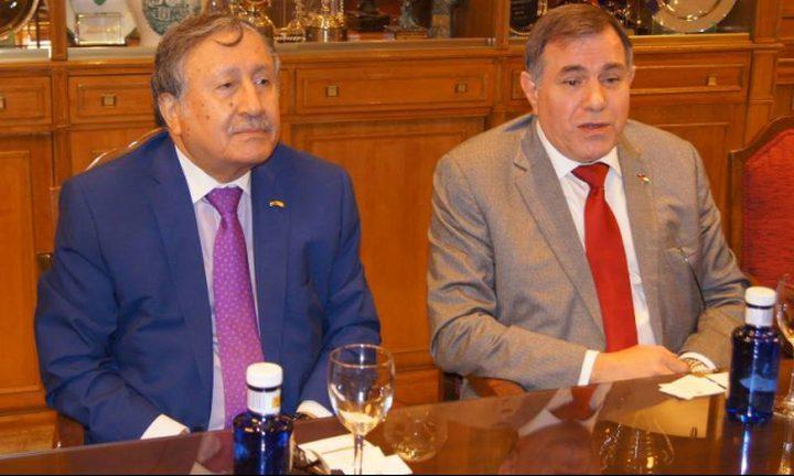 السفير عودة يجتمع بأعضاءفي البرلمان الإسباني