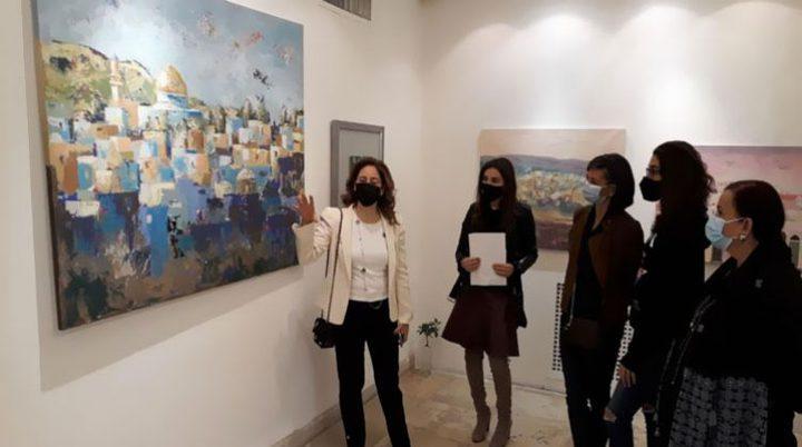 """افتتاح المعرض الفني """"فلسطين في القلب"""" بالقاهرة"""