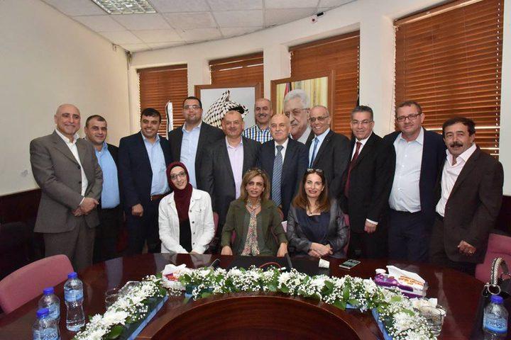 استقالة رئيس وعدد من أعضاء مجلس بلدي نابلس