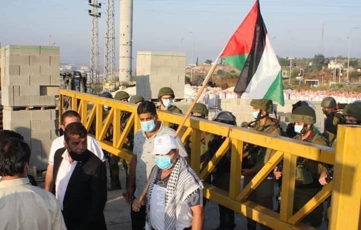 الاحتلال يغلق البوابة الحديدية غرب سلفيت ويعيق حركة المواطنين