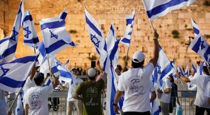 جيش الاحتلال: مسيرة الأعلام تنذر بتصعيد جديد في غزة والضفة