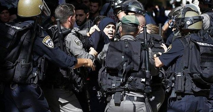 إصابة سيدة واعتقال شابين خلال اعتداء الاحتلال على المقدسيين